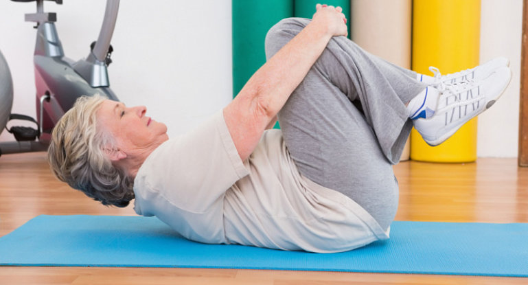 Избавляемся от болей в коленном суставе с помощью комплекса упражнений
