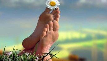 Лечим боли в суставах ног народными методами