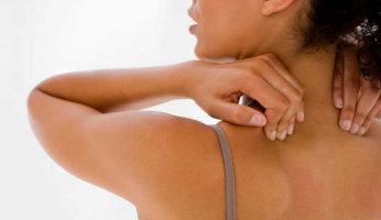 Что делать, если болит спина между лопатками: рекомендации лечения