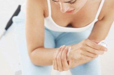 Что делать, когда болят суставы пальцев рук при беременности?