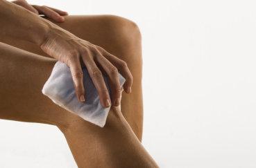 Ноющая боль к коленном суставе: причины и лечение