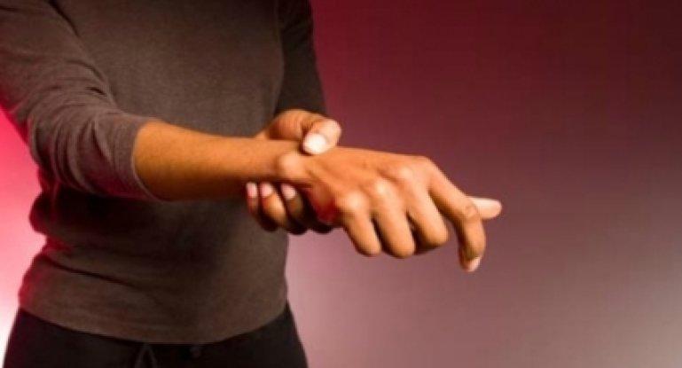 Как лечить боли в суставах рук в домашних условиях?
