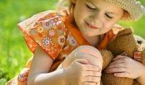 Что делать, если у ребенка болят колени?