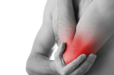 Каковы причины сильной, острой или ноющей боли в локтях?