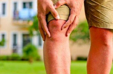 Болезни колена: с чем связано жжение в суставе?