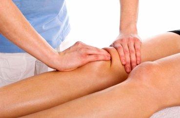 Растирание области колена
