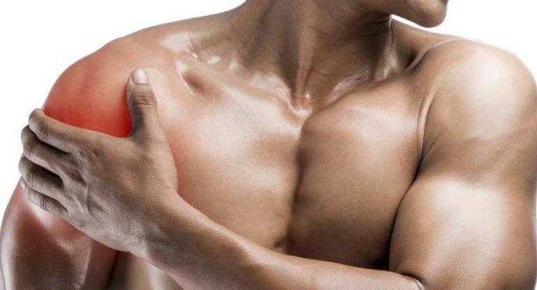 Болит плечо после тренировки