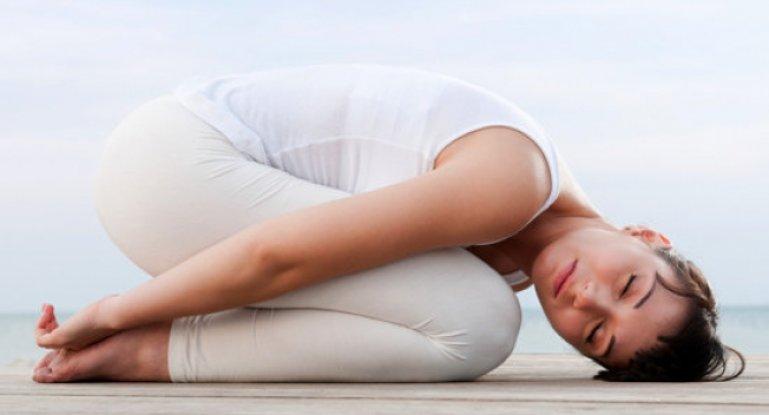 Полезна ли йога при шейном остеохондрозе?