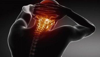 Почему болит шея и голова: что с этим делать?
