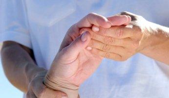 Чем опасен псориатический артрит и как провести лечение?