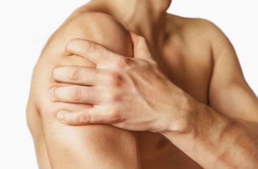 Почему болит, щелкает и хрустит плечевой сустав?