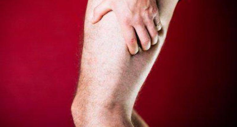 Почему возникает боль в ноге от колена до бедра?
