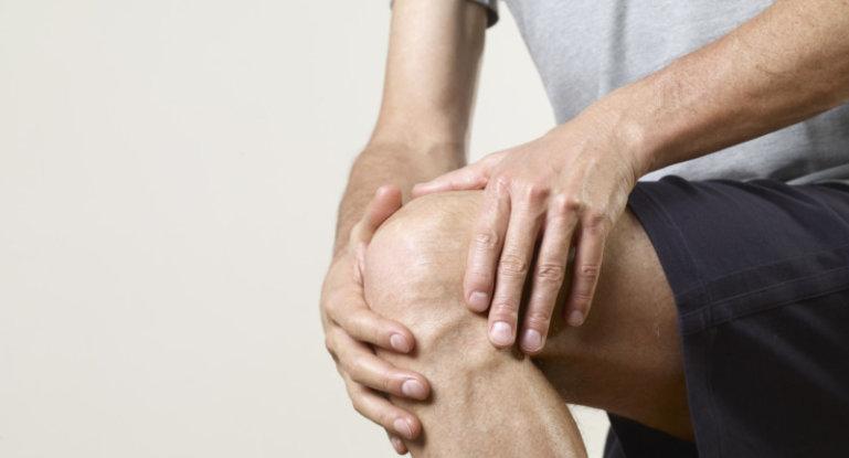 Что делать, если болят колени при сгибании или разгибании?