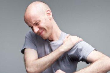 Почему при отведении руки назад болит : причины, диагностика, лечение