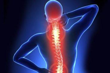 Как оказать помощь и лечить травму позвоночника?