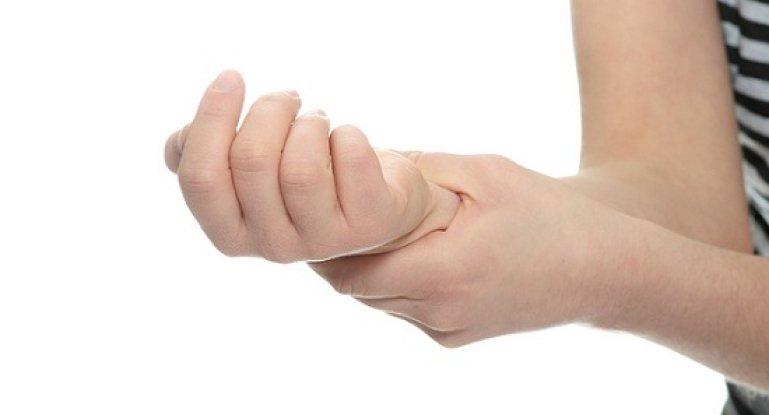 Чем лечить ревматоидный артрит кистей рук?