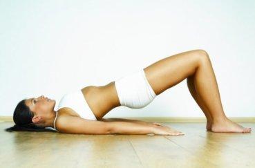 Выполняем упражнения для растягивания позвоночника