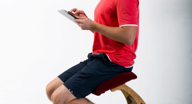 Все, что нужно знать о коленном стуле