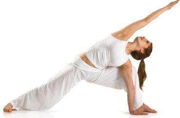 Полезна ли йога в качестве лечения остеохондроза?