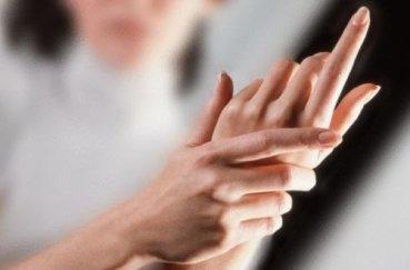 Как избавиться от болей в суставах пальцев рук?