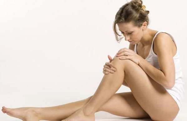 Нехватка жидкости в коленном суставе