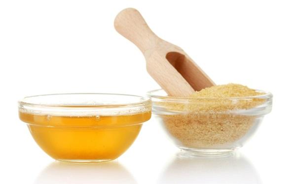 Пиала с медом и желатин