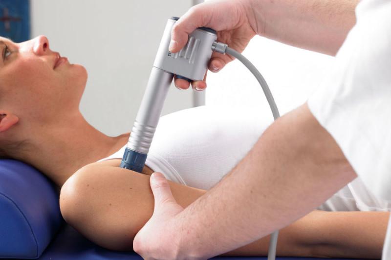 Проведение процедуры на плече