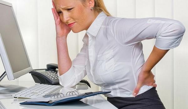 Боли в позвоночнике у женщины