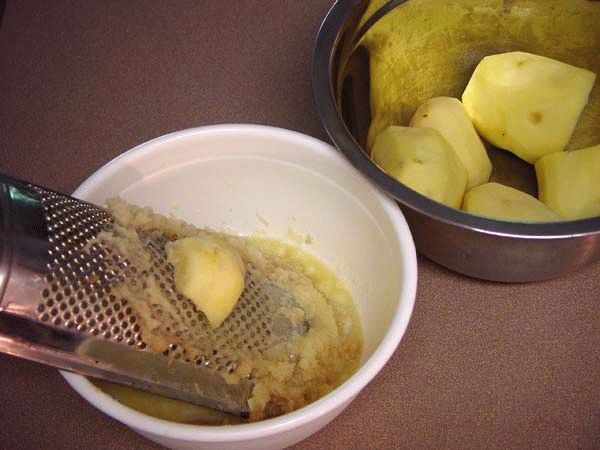 Тертый картофель для компресса