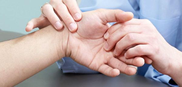 Боль в суставе большого пальца на руке